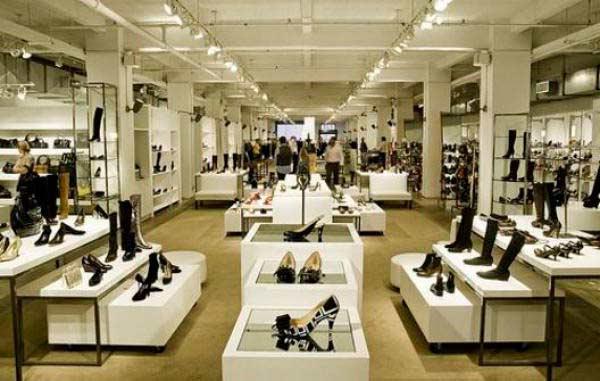 0a10fc4ae751 диалог на английском в магазине обуви. Диалог  Покупка обуви и одежды