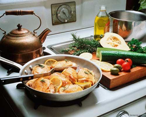 приготовление пищи – Preparing Food, уборка – Cleaning