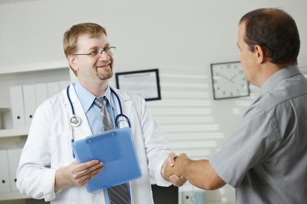Диалог у доктора на французском языке с переводом